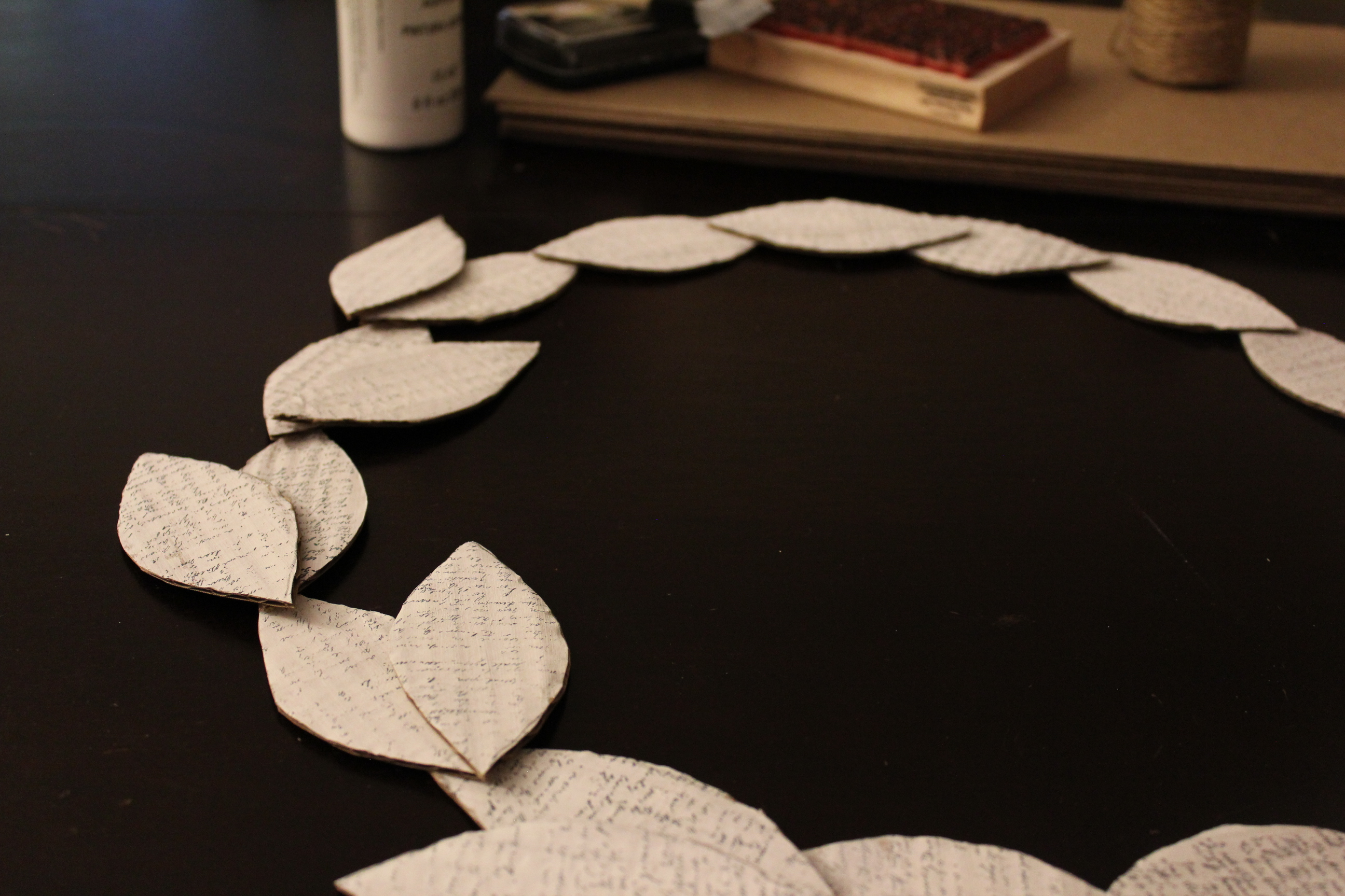 Arrange leaves in an alternating pattern